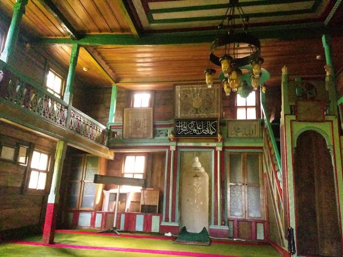 Bilen Köyü Camii İç Görünümü-Hemşin-Bulutların Ülkesi