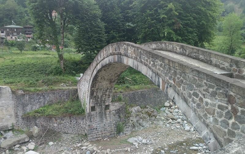 Hemşin Kemer Köprü