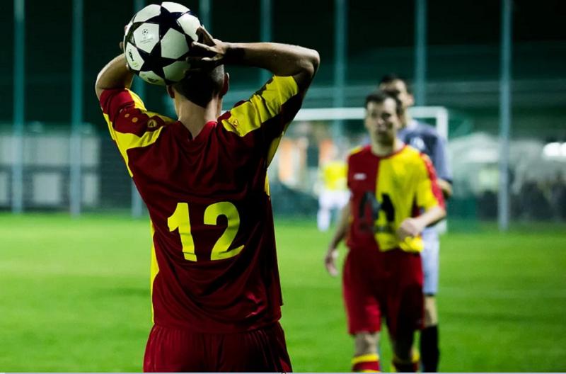 Futbolda Taç Atışı
